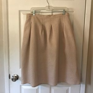 Light pink/Gold Accent Midi skirt with pockets.